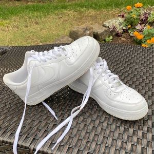 Women's Nike Air Force One White Size 8.5